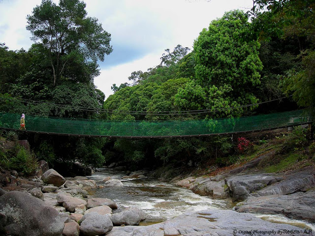 Hanging bridge at Chamang Waterfall