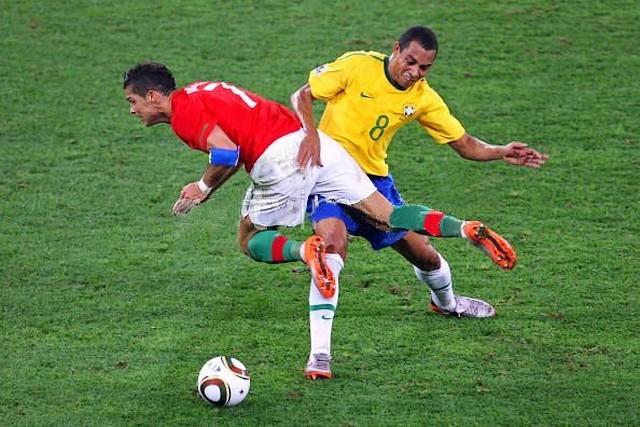 Gilberto Silva VS Cristiano Ronaldo